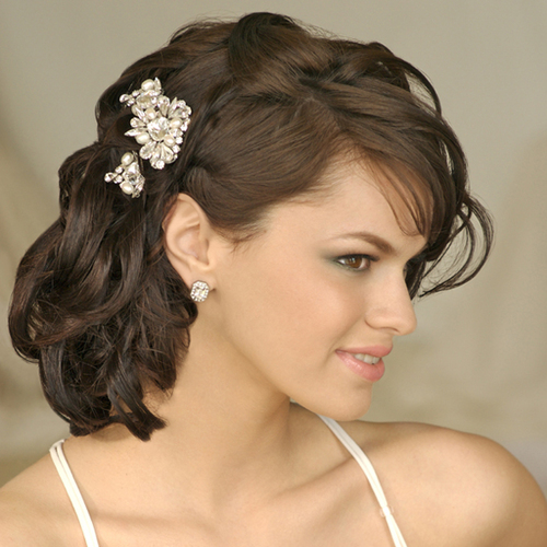 How to have perfect wedding hair styles to look beautiful on the big day